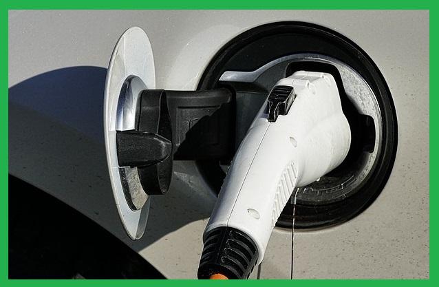 Auto elettriche: presto costeranno meno di quelle tradizionali in tutti i segmenti.