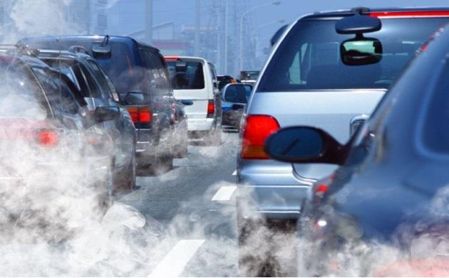 Inquinamento atmosferico e mobilità: troppe auto per gli italiani